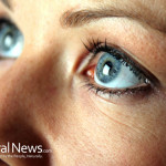 Closeup-Woman-Blue-Eyes