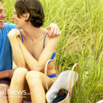 Man-Woman-Couple-Love-Picnic-Vacation-Grass