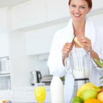 Woman-Blending-Diet-Healthy