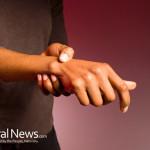 Woman-Wrist-Pain