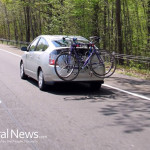 Hybrid-Car-Road-Bicycle-Travel-Green