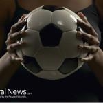 Woman-Darkness-Futbol-Soccer
